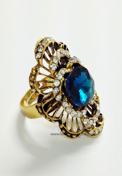 Curved oversized Fashion Ring-Saphire Blue