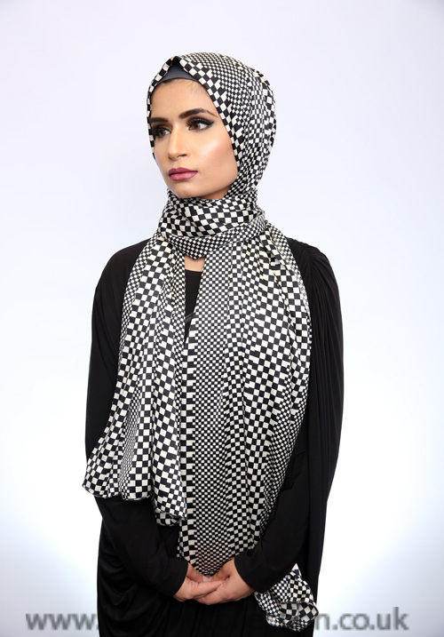 Satin Chess Pattern Hijab